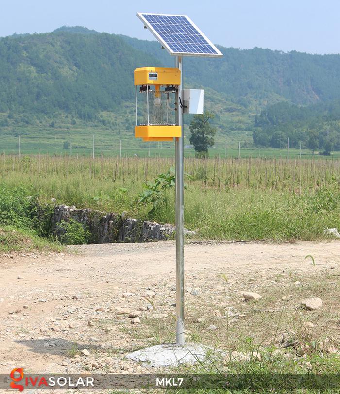 Đèn bắt côn trùng chạy năng lượng mặt trời MKL7 8