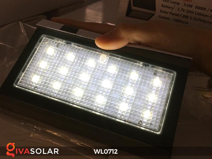 Đèn ốp tường năng lượng mặt trời WL0712 18