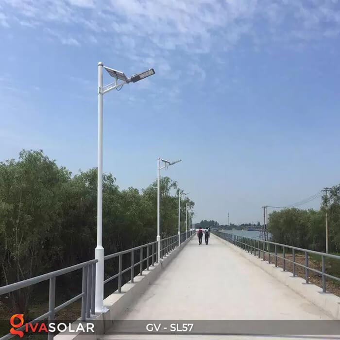 Đèn chiếu sáng đường năng lượng mặt trời SL57 20