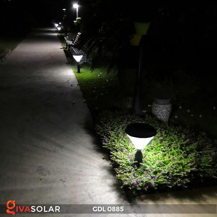 Đèn chiếu sáng sân vườn năng lượng mặt trời GDL0885 9