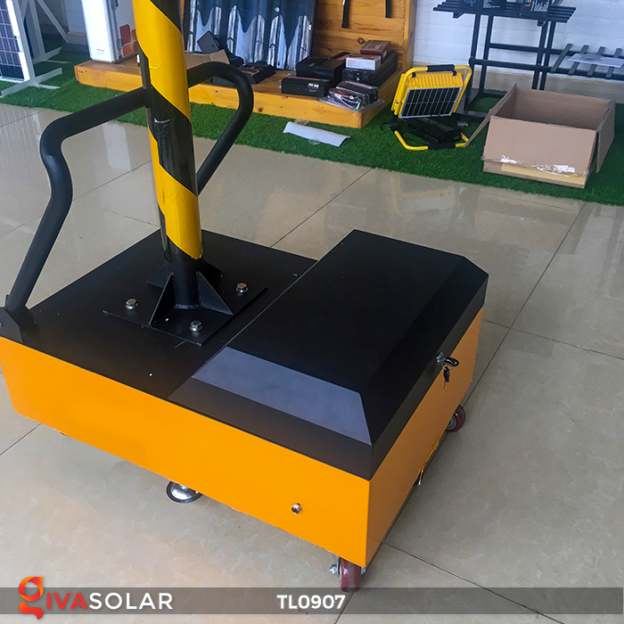 Cây đèn tín hiệu giao thông năng lượng mặt trời TL0907 15