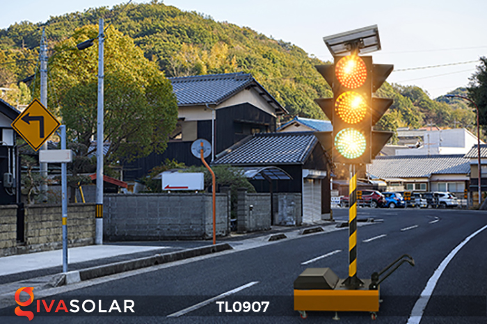 Cây đèn tín hiệu giao thông năng lượng mặt trời TL0907 3