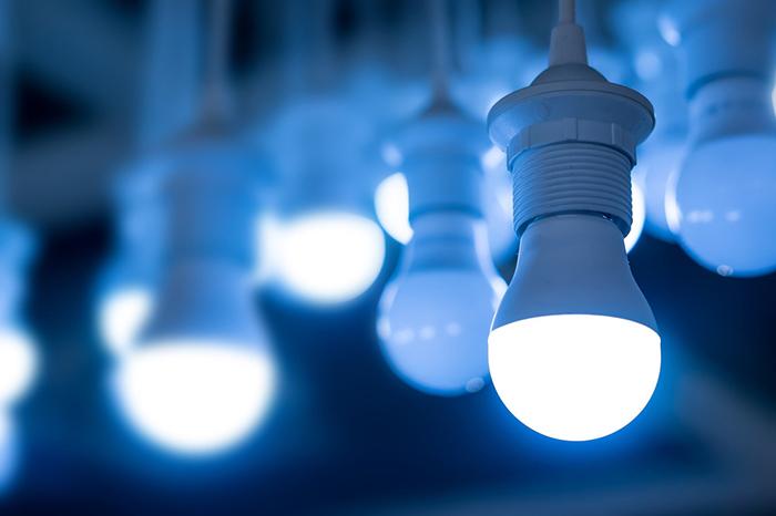So sánh chi tiết đèn HPS kiểu cũ với đèn LED 1