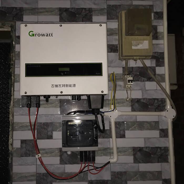 Hoàn tất hệ thống điện năng lượng mặt trời 10kW cho gia đình ở Củ Chi 10