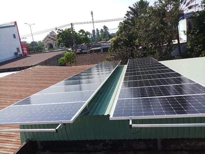 Hoàn tất hệ thống điện năng lượng mặt trời 10kW cho gia đình ở Củ Chi 2