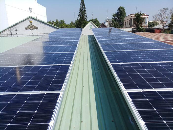 Hoàn tất hệ thống điện năng lượng mặt trời 10kW cho gia đình ở Củ Chi 3