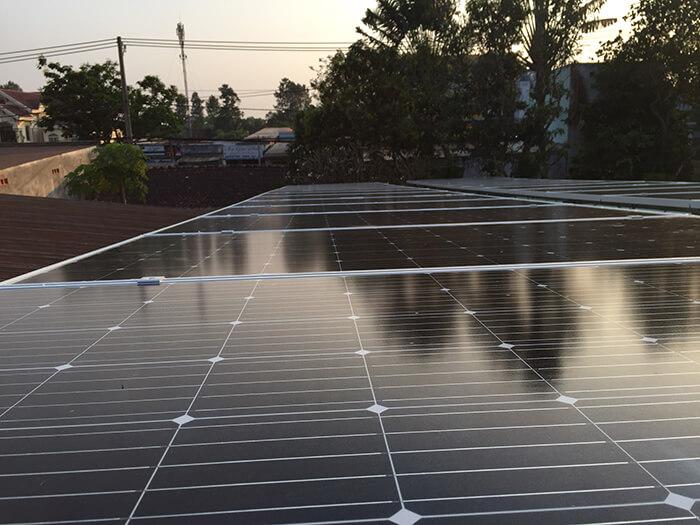 Hoàn tất hệ thống điện năng lượng mặt trời 10kW cho gia đình ở Củ Chi 5
