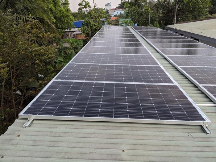 Lắp đặt hoàn tất hệ điện năng lượng mặt trời hòa lưới 10kW tại Bình Chánh 18