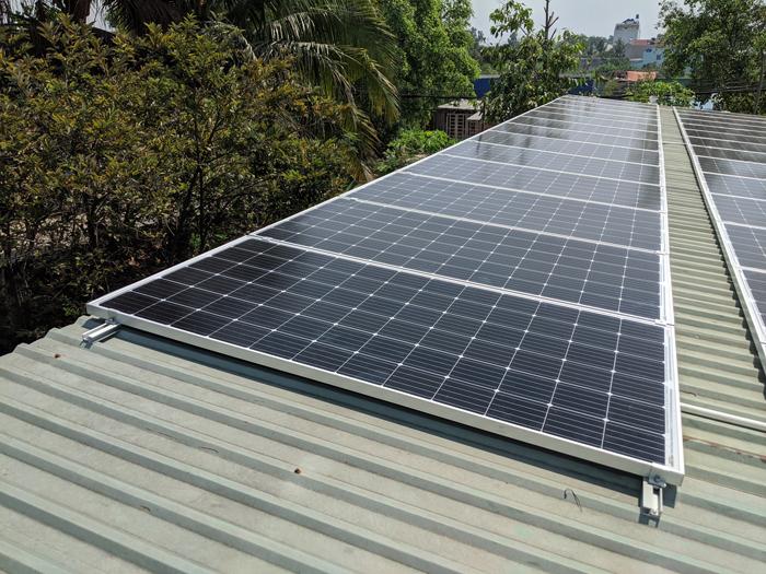 Lắp đặt hoàn tất hệ điện năng lượng mặt trời hòa lưới 10kW tại Bình Chánh 6