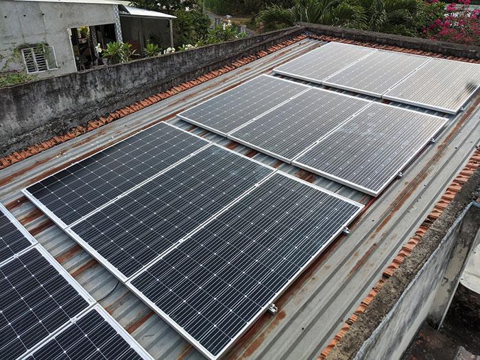 Lắp điện mặt trời áp mái 10kW cho anh Mạnh tại Củ Chi 4