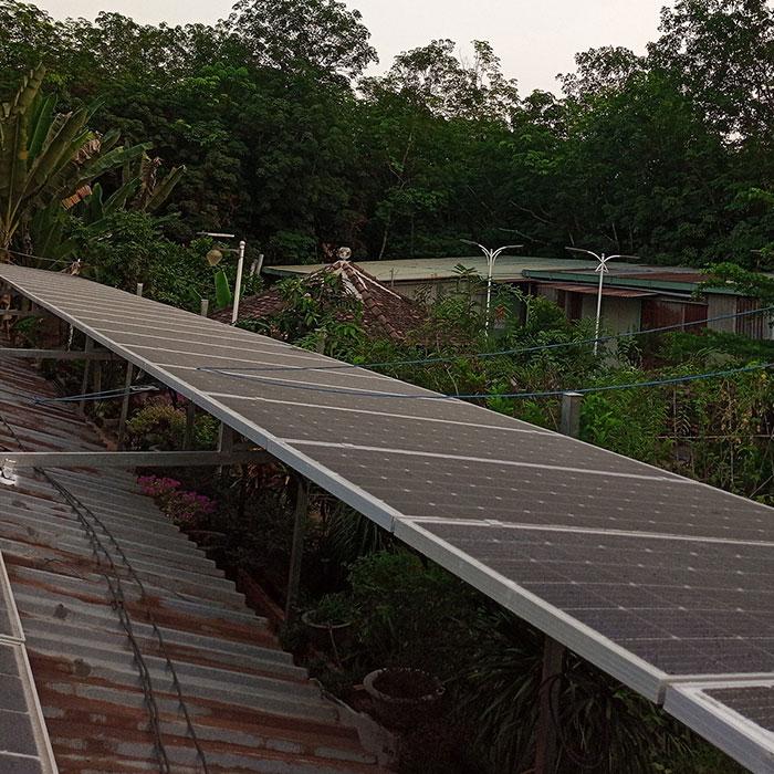 Lắp đặt hệ thống điện năng lượng mặt trời độc lập 5kW tại Tiền Giang 1