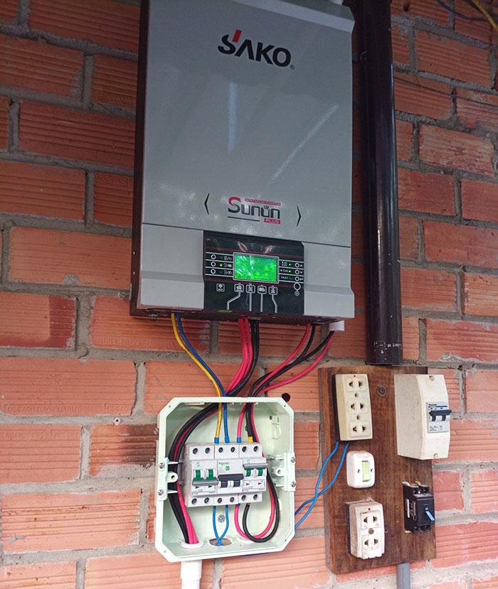 Lắp đặt hệ thống điện năng lượng mặt trời độc lập 5kW tại Tiền Giang 3