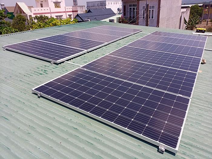 [Điện mặt trời Đồng Nai] Hoàn thành hệ thống hòa lưới 4kW cho nhà trọ 2