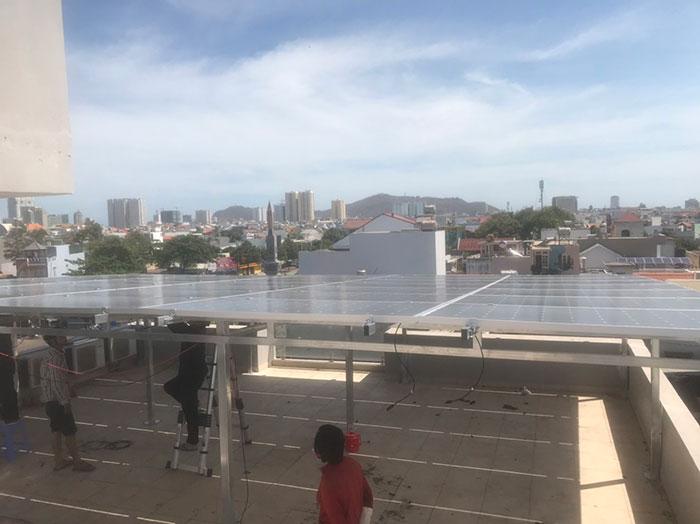 [Năng lượng mặt trời Vũng Tàu] Lắp đặt hệ thống hòa lưới 12kW kinh doanh khách sạn 13