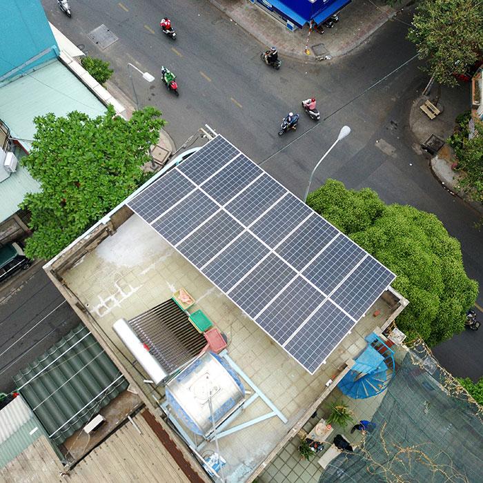 Hệ thống năng lượng mặt trời hòa lưới 5kW lắp đặt cho gia đình chú Sĩ tại Tân Phú 1