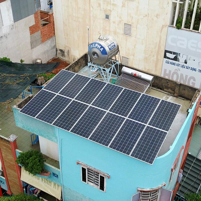 Hệ thống năng lượng mặt trời hòa lưới 5kW lắp đặt cho gia đình chú Sĩ tại Tân Phú 4