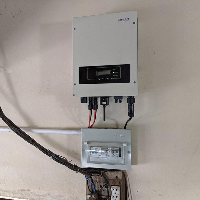 Hệ thống năng lượng mặt trời hòa lưới 5kW lắp đặt cho gia đình chú Sĩ tại Tân Phú 5