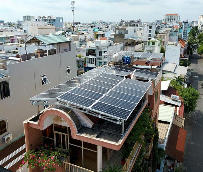 Lắp đặt hệ thống năng lượng mặt trời công suất 12kW cho anh Trí tại Tân Phú 3