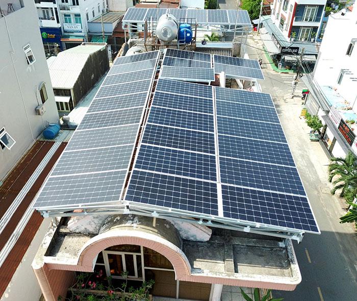 Lắp đặt hệ thống năng lượng mặt trời công suất 12kW cho anh Trí tại Tân Phú 5