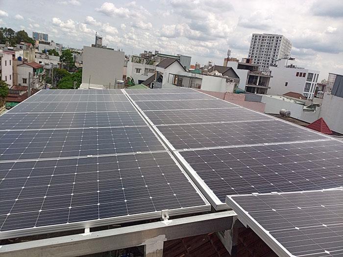 Lắp đặt hệ thống năng lượng mặt trời công suất 12kW cho anh Trí tại Tân Phú 6