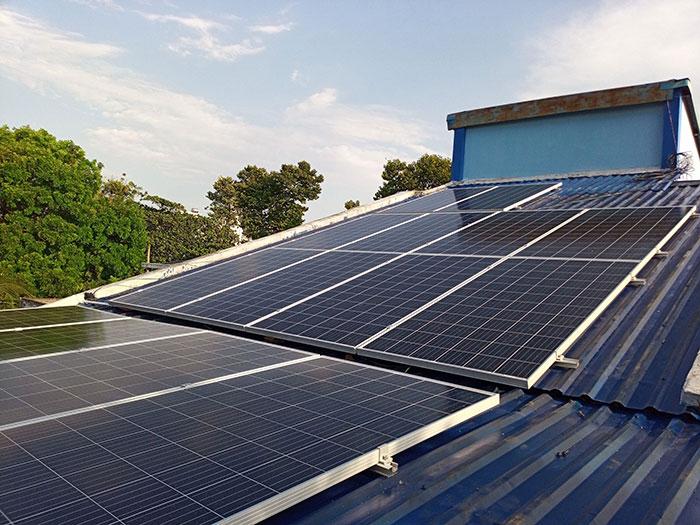 [Điện mặt trời Bình Dương] Hoàn thành lắp đặt hệ thống hòa lưới 5kW 1