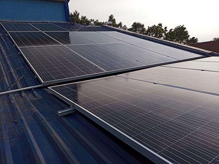[Điện mặt trời Bình Dương] Hoàn thành lắp đặt hệ thống hòa lưới 5kW 2