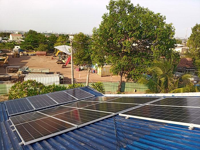 [Điện mặt trời Bình Dương] Hoàn thành lắp đặt hệ thống hòa lưới 5kW 3