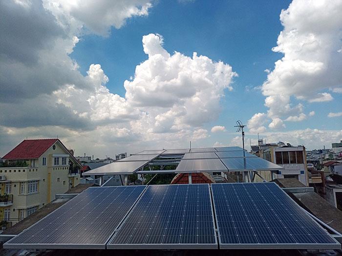 [Điện năng lượng mặt trời TP.HCM] Cài đặt hoàn tất hệ thống 5kWp tại Tân Phú 1