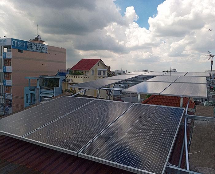 [Điện năng lượng mặt trời TP.HCM] Cài đặt hoàn tất hệ thống 5kWp tại Tân Phú 2