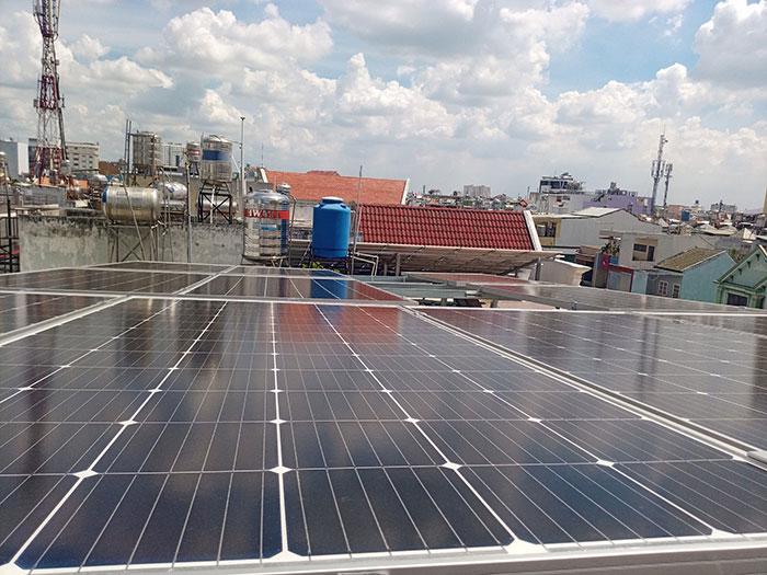 [Điện năng lượng mặt trời TP.HCM] Cài đặt hoàn tất hệ thống 5kWp tại Tân Phú 3