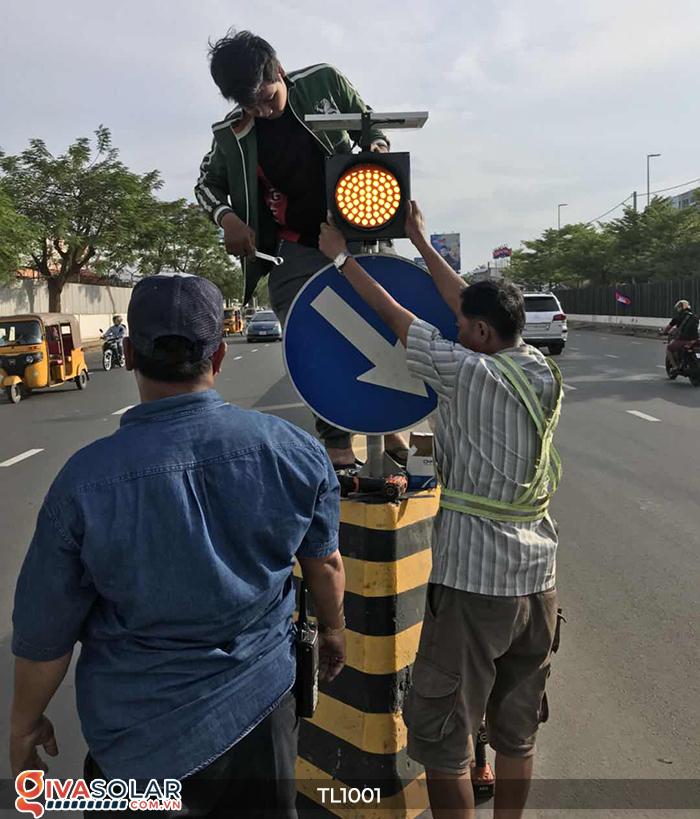 Đèn giao thông năng lượng mặt trời cảnh báo đi chậm TL1001 17