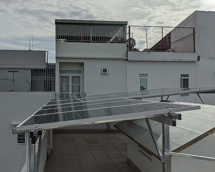Hoàn thành hệ thống điện mặt trời hòa lưới 5kWp khu vực Quận 9 2