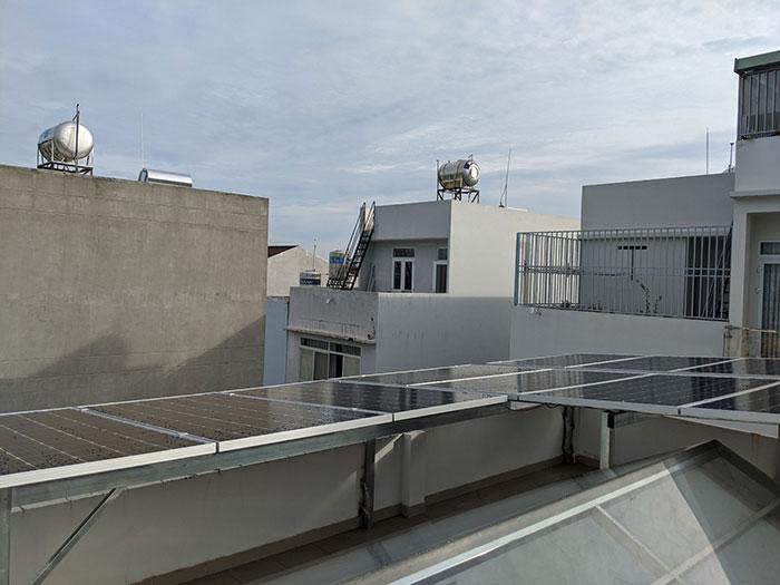 Hoàn thành hệ thống điện mặt trời hòa lưới 5kWp khu vực Quận 9 4