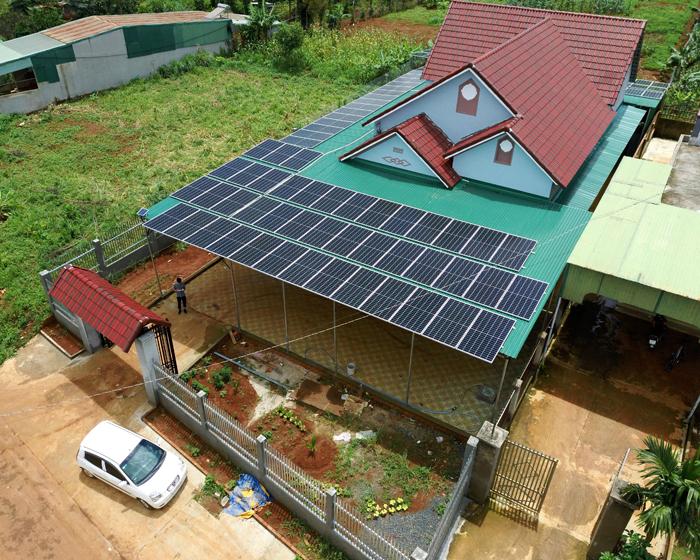Hoàn thành lắp đặt hệ thống điện mặt trời áp mái quy mô lớn 45kWp tại Đắk Nông 17