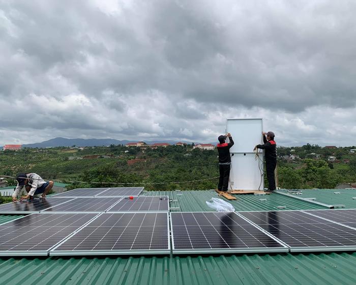 Hoàn thành lắp đặt hệ thống điện mặt trời áp mái quy mô lớn 45kWp tại Đắk Nông 8