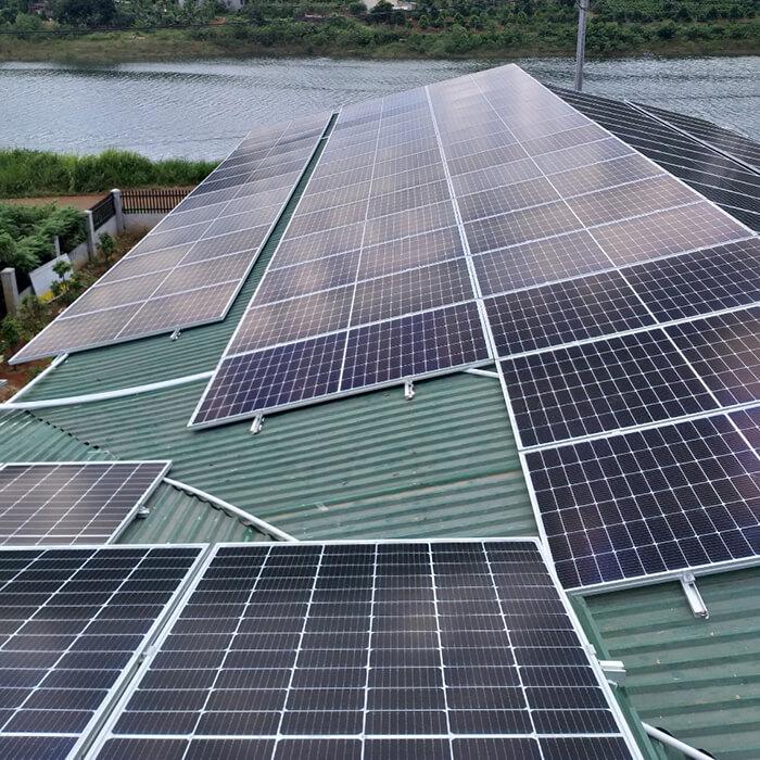 Hoàn thành lắp đặt điện năng lượng mặt trời 60kWp tại Đắk Nông 11
