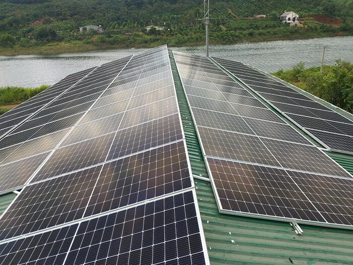 Hoàn thành lắp đặt điện năng lượng mặt trời 60kWp tại Đắk Nông 12