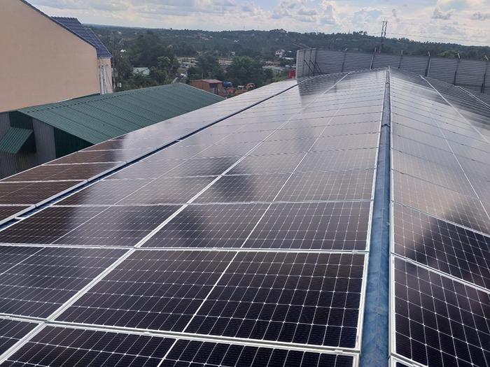 Hoàn thành hệ thống năng lượng mặt trời hòa lưới áp mái 90kWp tại Đắk Nông 5