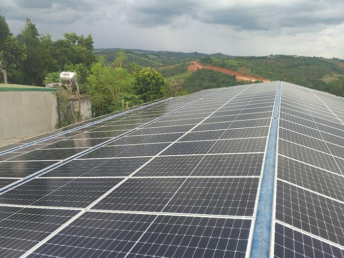 Hoàn thành hệ thống năng lượng mặt trời hòa lưới áp mái 90kWp tại Đắk Nông 7