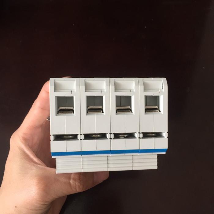 CB chống sét AC 40KA-4P-385V CHANA sử dụng trong điện mặt trời 7