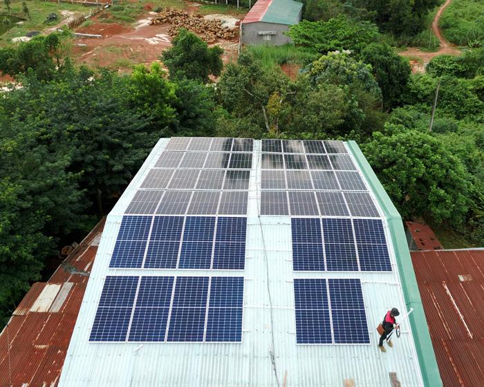 Hoàn thành lắp điện mặt trời áp mái 20 kWp cho anh Lĩnh tại tỉnh Đắk Nông 10