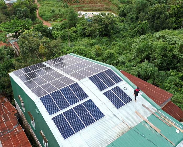 Hoàn thành lắp điện mặt trời áp mái 20 kWp cho anh Lĩnh tại tỉnh Đắk Nông 11
