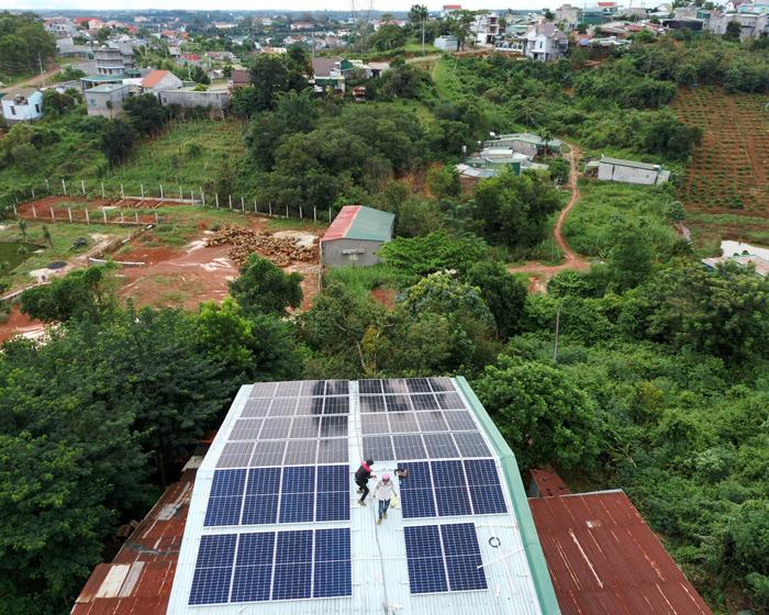 Hoàn thành lắp điện mặt trời áp mái 20 kWp cho anh Lĩnh tại tỉnh Đắk Nông 12