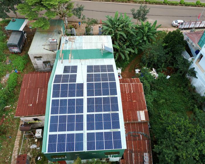 Hoàn thành lắp điện mặt trời áp mái 20 kWp cho anh Lĩnh tại tỉnh Đắk Nông 5