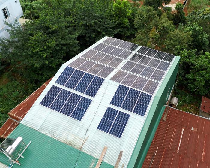 Hoàn thành lắp điện mặt trời áp mái 20 kWp cho anh Lĩnh tại tỉnh Đắk Nông 9