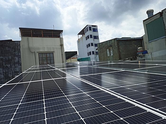 Hoàn thành hệ thống năng lượng mặt trời hòa lưới 8kWp tại Quận 10, HCM 3