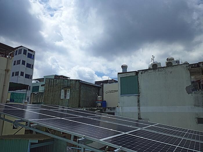 Hoàn thành hệ thống năng lượng mặt trời hòa lưới 8kWp tại Quận 10, HCM 4