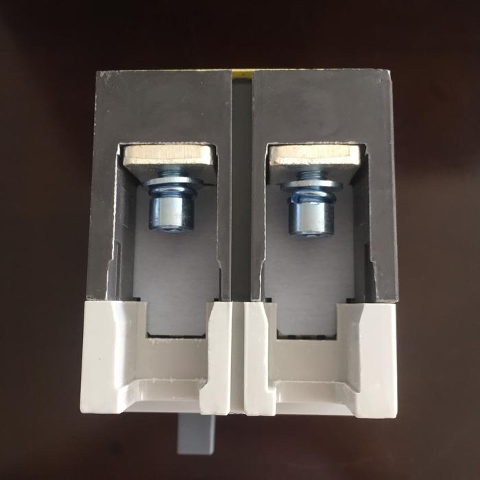 MCCB 225A 2P 550VDC hãng SUNNOM dùng cho hệ thống điện mặt trời 6