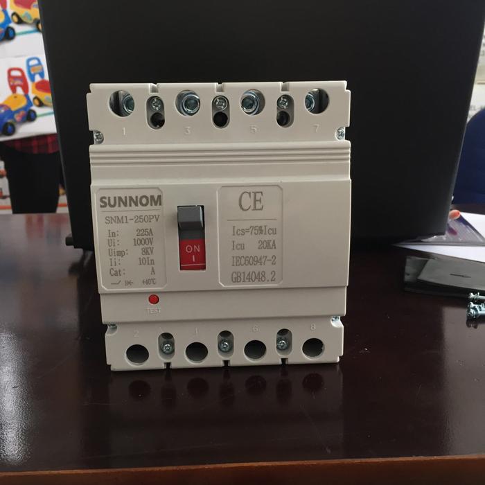 MCCB 225A 4P 1000VDC hãng SUNNOM dùng cho hệ thống điện mặt trời 2