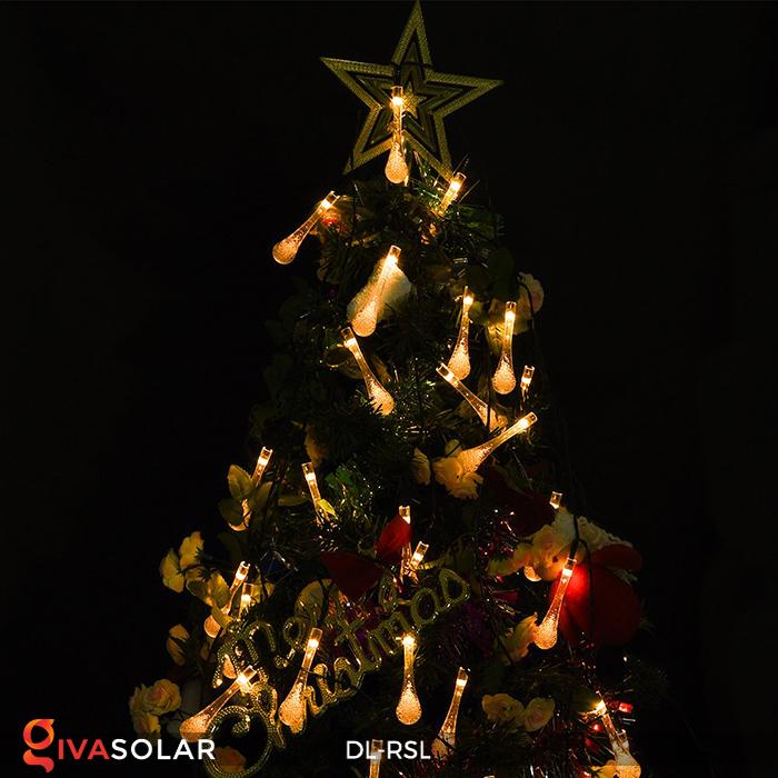 Đèn trang trí Noel sử dụng năng lượng mặt trời mới nhất 2020 2